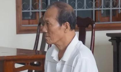 Cụ ông 77 tuổi hiếp dâm bé gái 6 tuổi rồi cho bánh trung thu