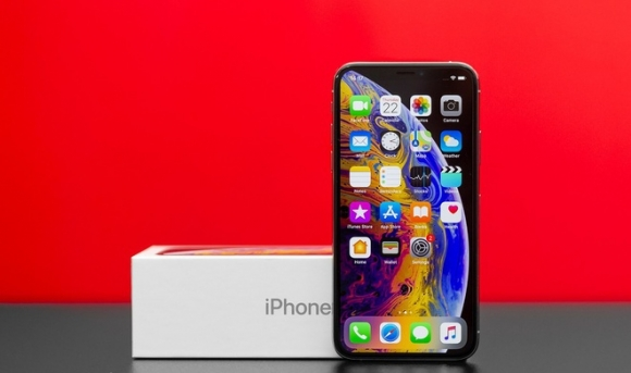 Loat iPhone chinh hang giam gia manh hinh anh 4 iphone_xs_review_523962_6.jpg