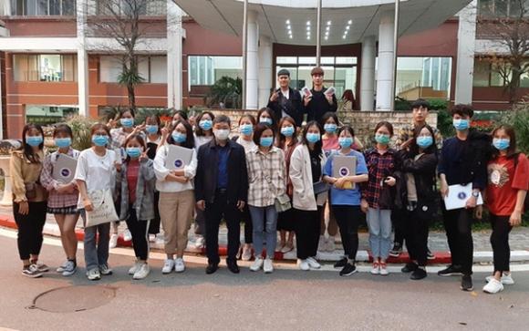 '. Nhật ký 1 ngày tham gia chống dịch của sinh viên trường Y: Làm những điều nhỏ bé trong cả chiến dịch lớn của đất nước! .'