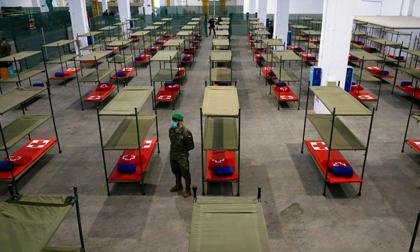 Nga ghi nhận số ca nhiễm kỷ lục, Moscow đóng cửa tất cả cửa hàng