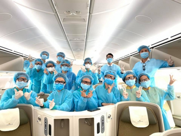 Cơ trưởng chuyến bay giải cứu đến tâm dịch Nhật Bản: Chúng tôi đến đây vì họ và sẵn sàng làm tất cả để không một ai bị bỏ lại - Ảnh 5.