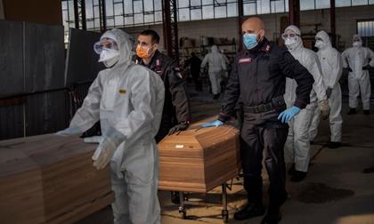 Italy, Tây Ban Nha có số ca tử vong kỷ lục từ đầu mùa dịch