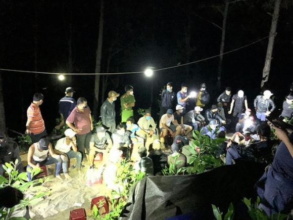 Quảng Nam: Phá tụ điểm đánh bạc siêu khủng, bắt giữ 41 người - Ảnh 3.