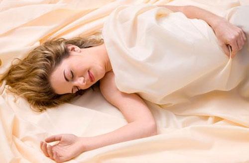 Mẹ bầu không nên ngủ muộn