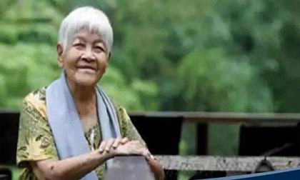 Lão bà 114 tuổi nói với chúng ta: Tuổi tác chỉ là con số, bí quyết vui vẻ, khoẻ mạnh gói trọn trong hai chữ 'Cho Đi'