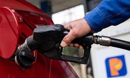 Giá xăng có giảm xuống dưới 10.000 đồng/lít?