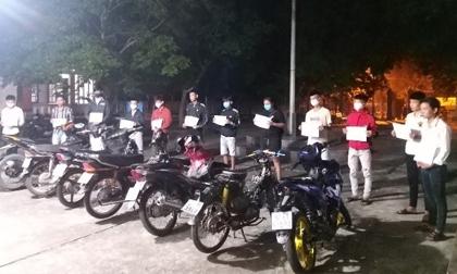 Trắng đêm truy bắt 12 'quái xế' đua xe trái phép trên cầu Giao Thủy