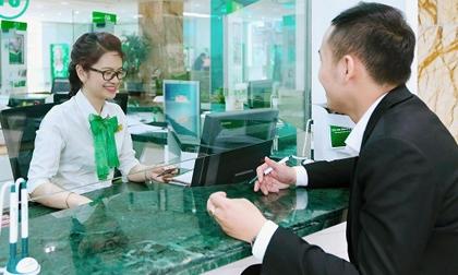 Lợi nhuận giảm 528 tỷ đồng, lương nhân viên ngân hàng Vietcombank vẫn cao ngất ngưởng