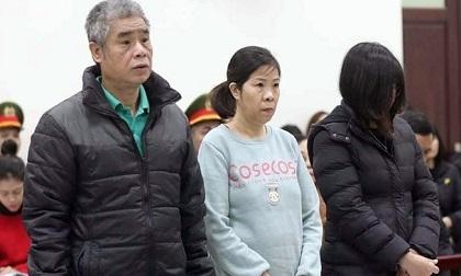 Bà Quy đưa đón học sinh Gateway sắp hầu tòa phúc thẩm