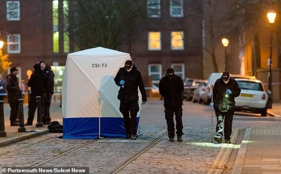 Bé gái sơ sinh bị bỏ rơi đến chết ở bãi rác, cảnh sát điều tra và phát hiện sự việc không hề đơn giản - Ảnh 1.