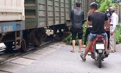 Hà Nội: Người phụ nữ mới sinh con bất ngờ lao vào tàu hỏa tự tử