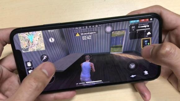 Loat smartphone dang mua nhat de choi game hinh anh 10 maxresdefault_3_.jpg