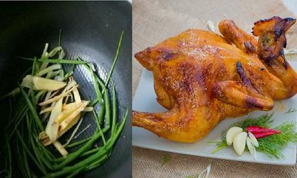 Chẳng cần lò nướng, gà đem ướp dầu hào rồi thả vào nồi cơm điện sẽ có món ngon bất ngờ
