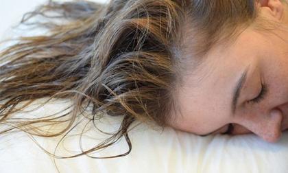 Những thói quen trước khi ngủ khiến sức khỏe của bạn tụt dốc thảm hại
