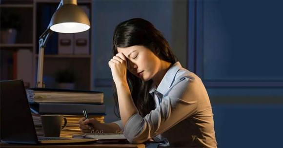 Thức khuya gây hại cho sức khỏe như thế nào?