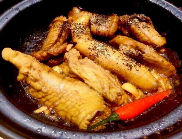 Cách nấu trứng cá kho tiêu