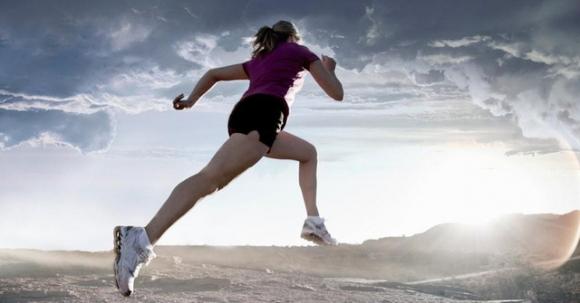 '. Thử bắt đầu chạy 10km mỗi sáng từ 5 giờ, tôi nhận ra, thể dục là liều thuốc thần có thể chữa trị mọi thứ .'