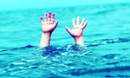 Hàng trăm người trắng đêm tìm kiếm nạn nhân đuối nước