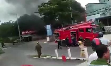Cháy xe bồn chở xăng, tài xế tử vong