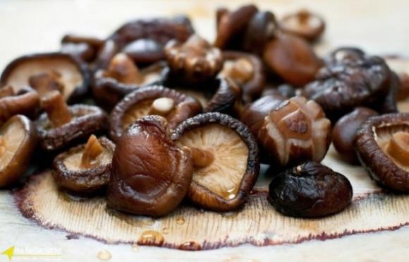 Sai lầm khi ăn nấm hương