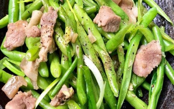 Thực phẩm cần nấu chín kỹ khi cho bé ăn