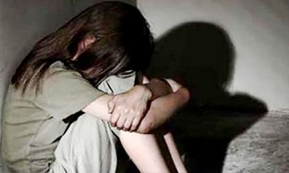 Thuê phòng uống rượu, nữ sinh lớp 7 bị 'bạn trai' xâm hại