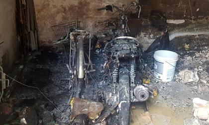 Hiện trường vụ cháy nhà trọ làm 3 người chết ở TP.HCM