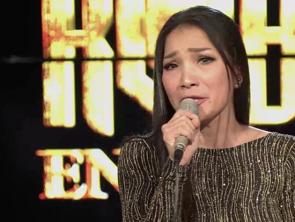 Sau 1 tháng điều trị bỏng, Hồng Ngọc livestream ca hát và khóc khi chia sẻ điều đặc biệt
