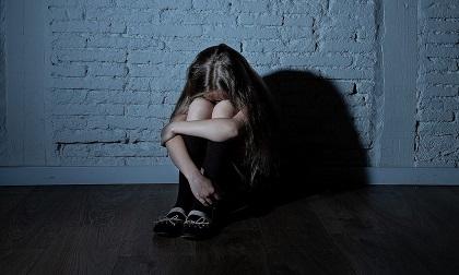 Vụ 4 học sinh hiếp dâm bé gái 13 tuổi không bị lập án gây tranh cãi