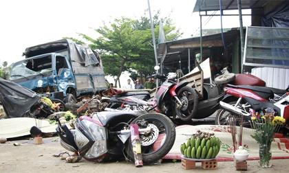Khởi tố tài xế gây tai nạn liên hoàn khiến 5 người chết