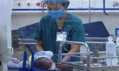 Bé sơ sinh bị bỏ rơi ở hố ga: Có người tự xưng là 'Bà ngoại' đến gặp, bệnh viện từ chối