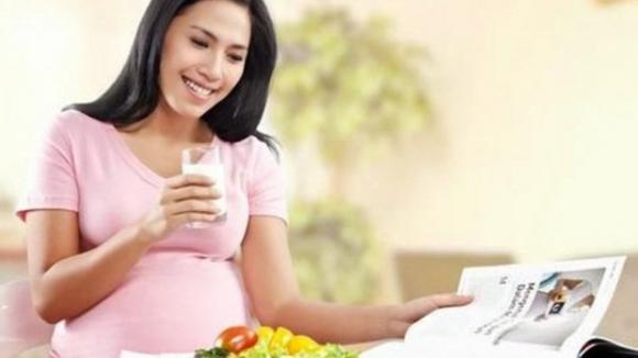 4 dấu hiệu giúp mẹ bầu nhận biết thai nhi có khỏe mạnh hay không