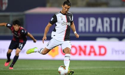 Ronaldo đá penalty thành công giúp Juventus giành 3 điểm