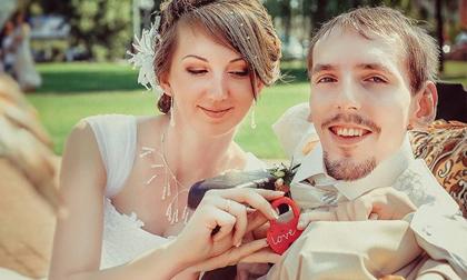 Chuyện tình cổ tích của cô gái vượt nghìn cây số để cưới chàng trai tật nguyền quen qua mạng