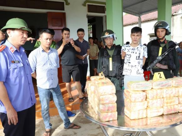 """Hà Tĩnh: Bắt """"ông trùm"""" đường dây vận chuyển 31kg ma túy đá - Ảnh 2."""