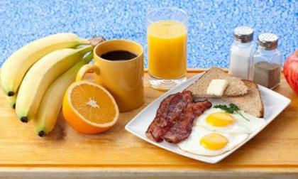 Bỏ ngay những thói quen ăn sáng này kẻo rước bệnh vào người