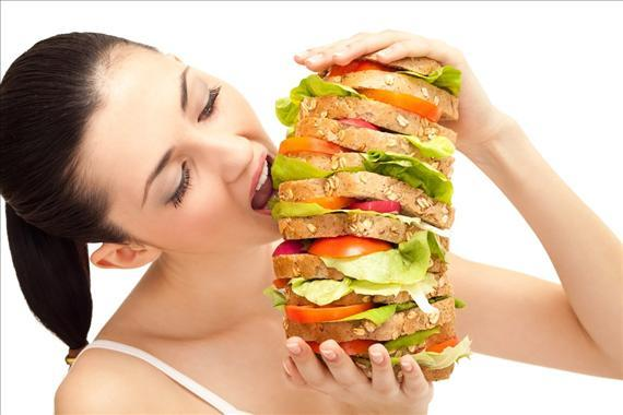 Thói quen ăn uống không khoa học ăn đồ ăn nhanh gây bệnh trực tràng cho bạn