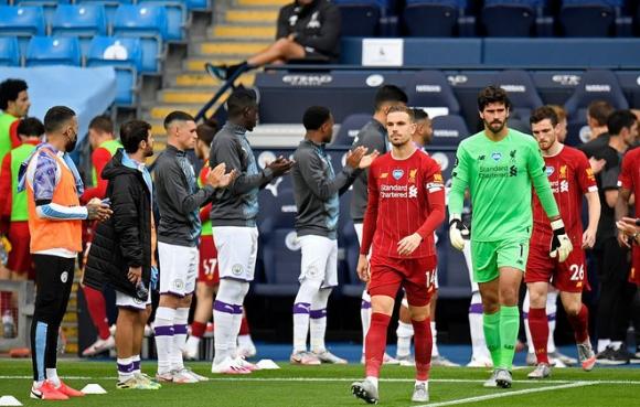 Ngạo nghễ với chức vô địch, Liverpool bị Man City đá cho xây xẩm mặt mày trong mưa bàn thắng - Ảnh 1.