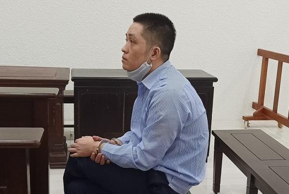 An ninh - Hình sự - Tên trộm thong thả nhất Việt Nam: Đột nhập biệt thự tắm rửa, ăn cơm, lấy trộm... quần đùi