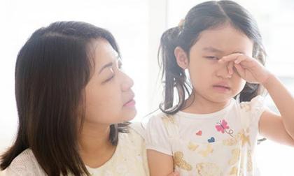 4 hành vi gây hại, cha mẹ triệt để không làm trong nuôi dạy con
