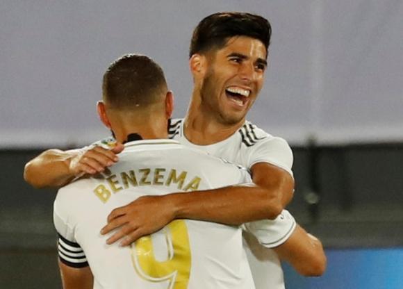 Real Madrid lại thắng nhờ penalty - 1