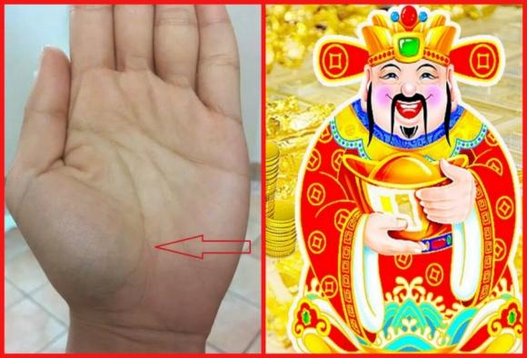Bàn tay có lòng bàn tay hồng hào dày dặn