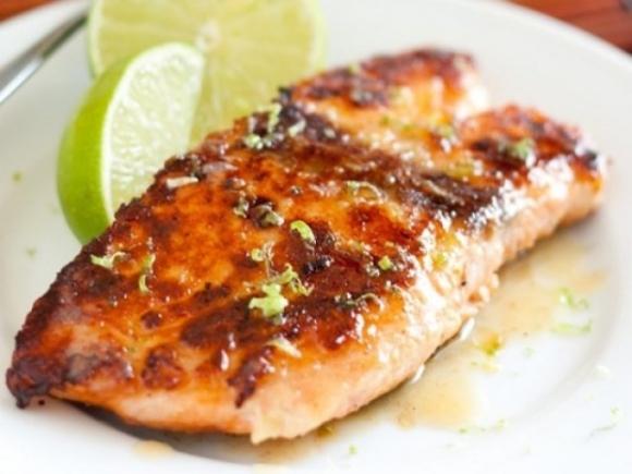 Cá hồi giàu omega 3 giúp thai nhi khỏe mạnh
