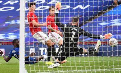 De Gea mắc lỗi, Maguire đá phản lưới, MU thua thảm 1-3 Chelsea ở bán kết FA Cup