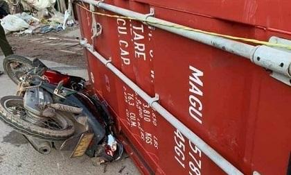 Thùng container văng xuống đường đè tử vong một phụ nữ