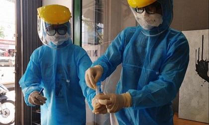 3 trường hợp F1 với bệnh nhân 447 ở Hà Nội có biểu hiện sốt, đau họng đã được cách ly