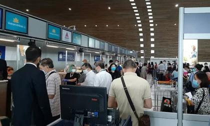 Đoàn Văn Hậu đã về nước trên chuyến bay từ Pháp