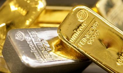 Giá vàng hôm nay 2/8: Kinh tế toàn cầu lao dốc, giá vàng ở trên đỉnh cao