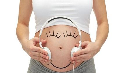 2 loại nhạc mẹ bầu nên nghe để thai nhi thông minh, kích thích não của bé phát triển