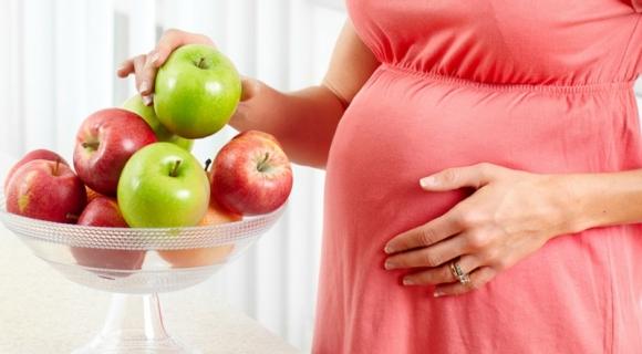 Mẹ bầu ăn gì để bé sinh ra trắng hồng bụ bẫm?